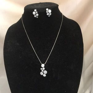 Circle necklace and earring set